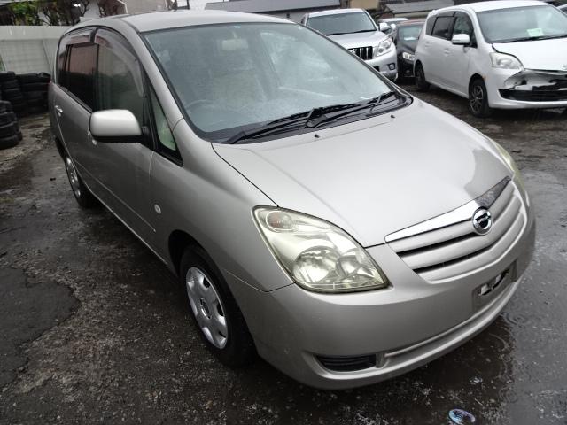 2004 Toyota Spacio